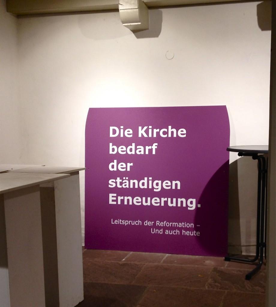"""Das Motto der Reformation """"ecclesia semper reformanda"""", gefunden im Schmuddelwinkel einer Stadtgemeinde. Manchmal muss man aufräumen, bevor Neues entstehen kann"""
